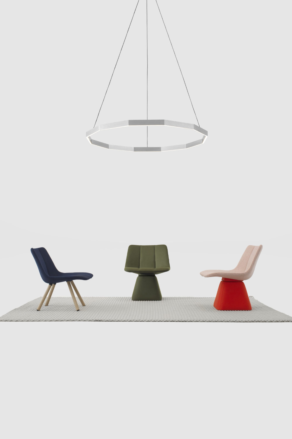 Resident Volley Chair And Midnight Pendant Tytds8B